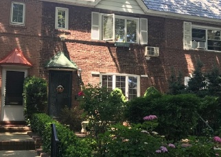 Pre Foreclosure in Elmhurst 11373 HILLYER ST - Property ID: 1238578809