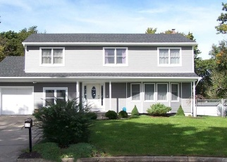 Pre Foreclosure in Selden 11784 DENISE CT - Property ID: 1238596760