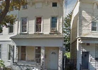 Pre Foreclosure in Woodhaven 11421 75TH ST - Property ID: 1238745223