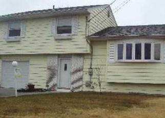 Pre Foreclosure in Selden 11784 CAMPO AVE - Property ID: 1238826247