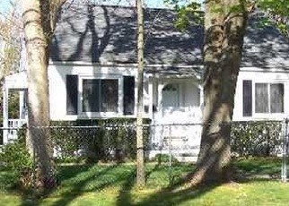Pre Foreclosure in Central Islip 11722 PETERS BLVD - Property ID: 1238967274
