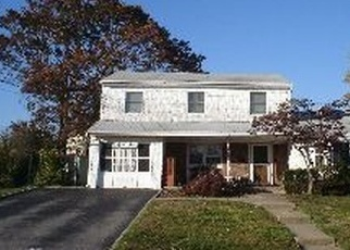 Pre Foreclosure in Islip Terrace 11752 ROOSEVELT ST - Property ID: 1239045234