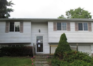 Pre Foreclosure in Farmington 14425 BONNIE BRAE CIR - Property ID: 1239849809