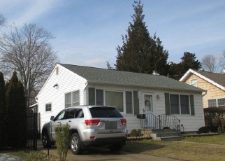 Pre Foreclosure in Blue Point 11715 ROWLAND AVE - Property ID: 1240126600