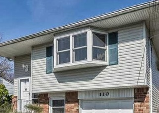 Pre Foreclosure in West Islip 11795 MYRTLE AVE - Property ID: 1240268954