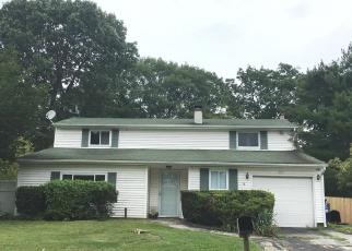 Pre Foreclosure in Centereach 11720 MONTEREY LN - Property ID: 1240682834