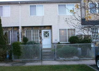 Pre Foreclosure in Staten Island 10304 SKYLINE DR - Property ID: 1240725305