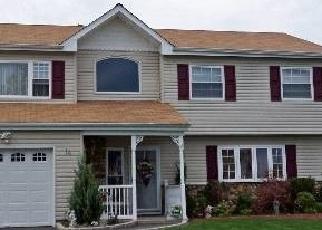 Pre Foreclosure in Farmingville 11738 CAROL AVE - Property ID: 1241109861