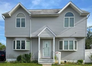Pre Foreclosure in Freeport 11520 POLK ST - Property ID: 1241178166