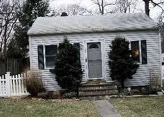 Pre Foreclosure in Huntington Station 11746 GOELLER AVE - Property ID: 1241405929