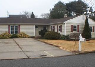 Pre Foreclosure in Ronkonkoma 11779 AVENUE F - Property ID: 1241638934