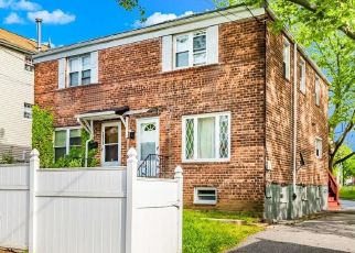 Pre Foreclosure in Bronx 10465 LAMPORT PL - Property ID: 1241788266