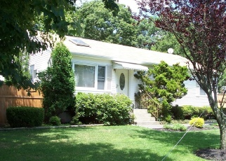 Pre Foreclosure in Shirley 11967 ARPAGE DR W - Property ID: 1242128130