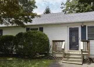 Pre Foreclosure in Centereach 11720 ANNE RD - Property ID: 1242558222