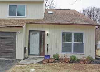 Pre Foreclosure in Clifton Park 12065 WOODCLIFFE DR - Property ID: 1243363216