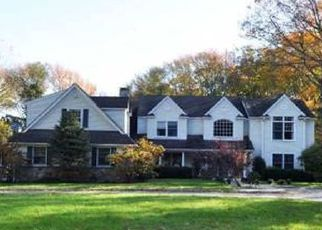 Pre Foreclosure in Cold Spring Harbor 11724 SNAKE HILL RD - Property ID: 1244154649