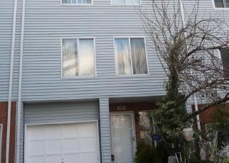 Pre Foreclosure in Staten Island 10312 ILYSSA WAY - Property ID: 1244502847