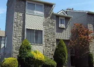 Pre Foreclosure in Staten Island 10303 WOLKOFF LN - Property ID: 1244559329