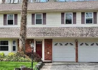 Pre Foreclosure in Smithtown 11787 MONROE CT - Property ID: 1244619781