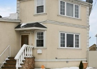 Pre Foreclosure in Ozone Park 11417 GOLD RD - Property ID: 1245064315