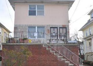 Pre Foreclosure in Arverne 11692 BURCHELL AVE - Property ID: 1245106810