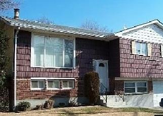 Pre Foreclosure in Massapequa 11758 CARMANS RD - Property ID: 1245135263