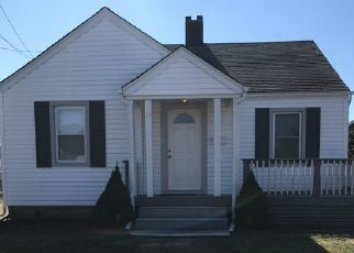 Pre Foreclosure in Amityville 11701 BAYSIDE PL - Property ID: 1245506226