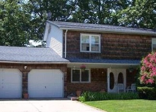 Pre Foreclosure in Coram 11727 WADSWORTH AVE - Property ID: 1246029167