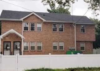 Pre Foreclosure in Saint Albans 11412 189TH ST - Property ID: 1246299848