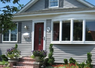 Pre Foreclosure in Patchogue 11772 HARRIS ST - Property ID: 1246433424
