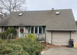 Pre Foreclosure in Bay Shore 11706 BROOKDALE AVE - Property ID: 1246506568