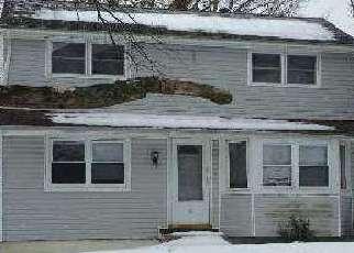 Pre Foreclosure in Centereach 11720 WAGON LN - Property ID: 1247197244