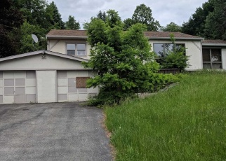 Pre Foreclosure in Poughkeepsie 12603 GOLD RD - Property ID: 1247330395