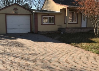 Pre Foreclosure in Brentwood 11717 SAINT PETERS DR - Property ID: 1247702231