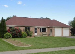 Pre Foreclosure in Rochester 14612 WHISTLERS COVE LN - Property ID: 1247784575