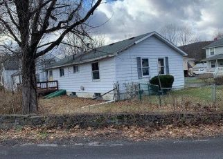 Pre Foreclosure in Highland 12528 MEADOW ST - Property ID: 1247908971