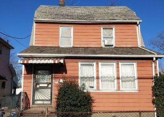 Pre Foreclosure in Saint Albans 11412 KEESEVILLE AVE - Property ID: 1248022840