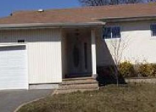 Pre Foreclosure in Freeport 11520 ANN DR S - Property ID: 1248041668