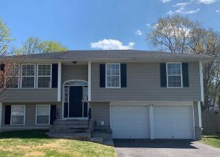 Pre Foreclosure in West Babylon 11704 12TH ST - Property ID: 1248049546