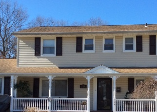 Pre Foreclosure in East Islip 11730 MARILYNN ST - Property ID: 1248177434