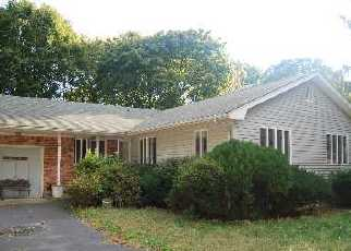 Pre Foreclosure in Farmingville 11738 PINEAIRE AVE - Property ID: 1248211149