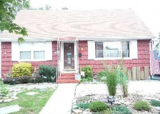 Pre Foreclosure in Freeport 11520 WESTSIDE AVE - Property ID: 1248577305