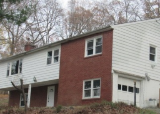 Pre Foreclosure in Wappingers Falls 12590 LAKEVIEW RD - Property ID: 1249527267