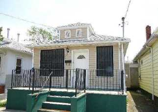 Pre Foreclosure in Arverne 11692 ELIZABETH AVE - Property ID: 1249621884