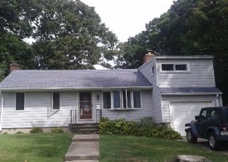 Pre Foreclosure in Huntington Station 11746 QUEBEC DR - Property ID: 1249925387