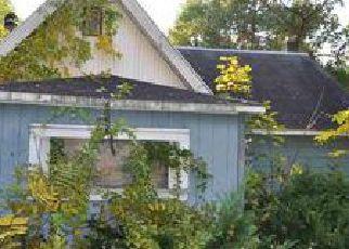 Pre Foreclosure in Glens Falls 12801 KIDDER LN - Property ID: 1250086117