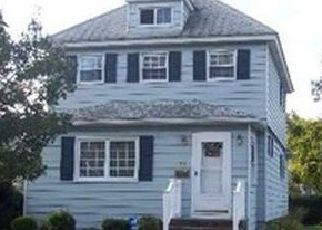 Pre Foreclosure in Lindenhurst 11757 S 1ST ST - Property ID: 1250405406