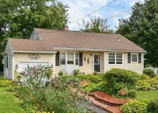Pre Foreclosure in Smithtown 11787 GRAND ST - Property ID: 1250412415