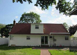 Pre Foreclosure in Uniondale 11553 SUMMER AVE - Property ID: 1250822806