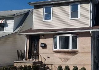 Pre Foreclosure in Staten Island 10301 VICTORY BLVD - Property ID: 1252062709